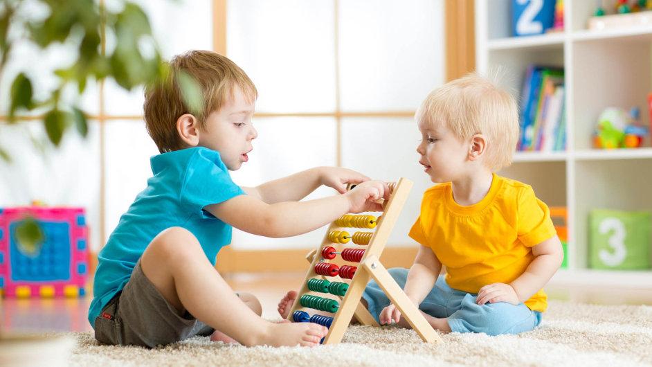 Od začátku letošního roku je možné spořit dětem na penzi. Spočítat si to ale musejí rodiče.