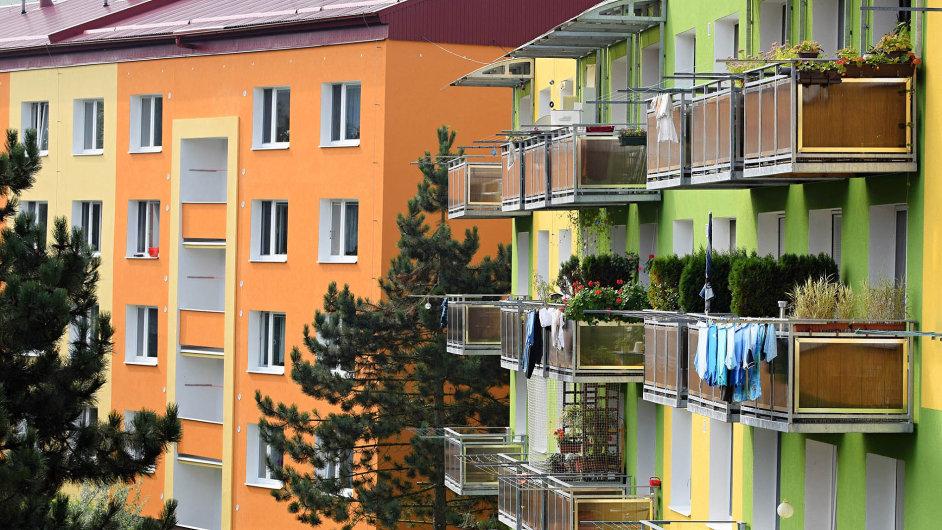 Podle současných pravidel se může kupec nemovitosti smajitelem dohodnout natom, kdo uhradí daň.