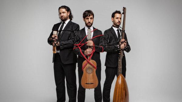 Bratři Aarón, Pablo aDaniel Zapicové se tradicí španělské hudby necítí být svázáni.