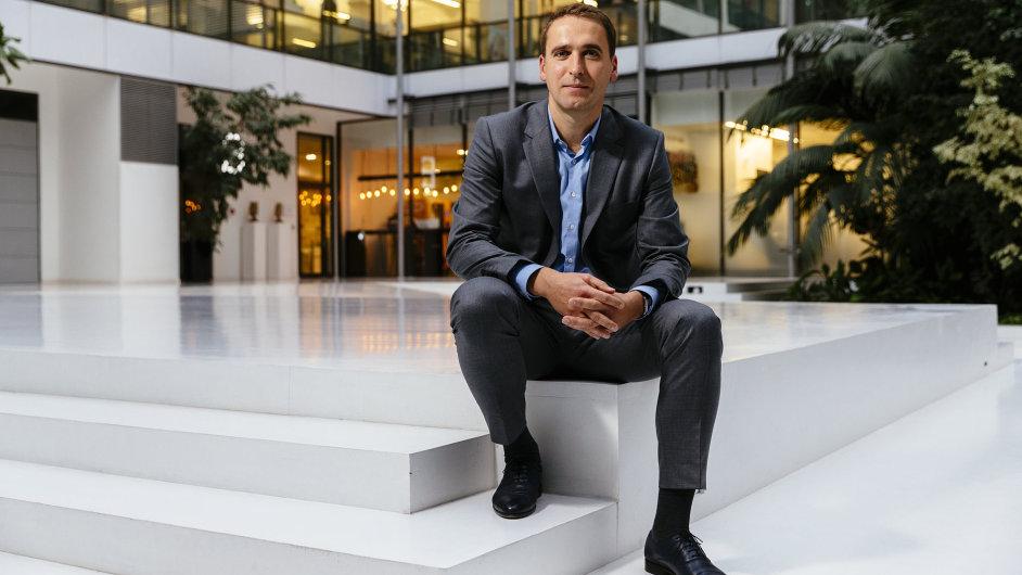 Tomáš Hruška řídí český L'Oréal právě rok.