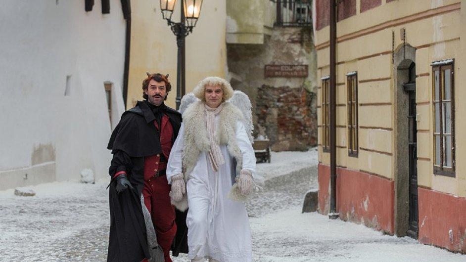 Anděla Páně 2 natočil Jiří Strach, který s Markem Epsteinem také spolupracoval na scénáři.