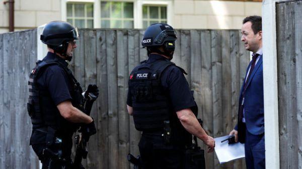 Policejní razie na jižním předměstí Manchesteru