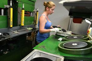 Český výrobce vinylových desek GZ Media chystá po Americe expanzi do Japonska