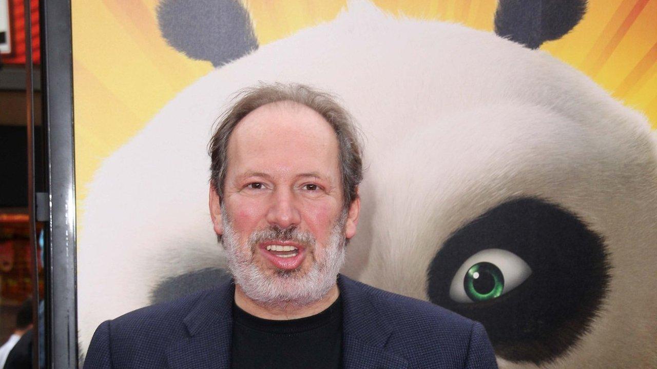 Skladatel Hans Zimmer pózuje při čínské premiéře filmu Kung Fu Panda 2.