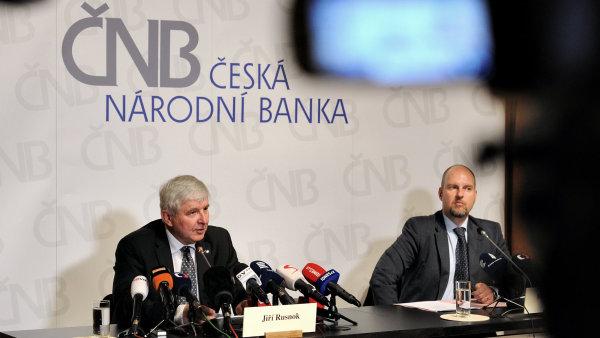 Podle Rusnoka s přijetím společné evropské měny nemusí Česko spěchat.