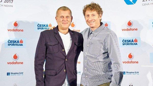 Cenu Firma roku Plzeňského kraje převzal majitel společnosti Rapeto Radek Sajvera (vlevo) a titul Živnostník roku Plzeňského kraje si odnesl truhlář Jiří Procháska.
