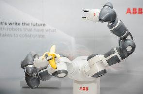 Nástup robotů je pozvolný. Na ty opravdu chytré si počkáme