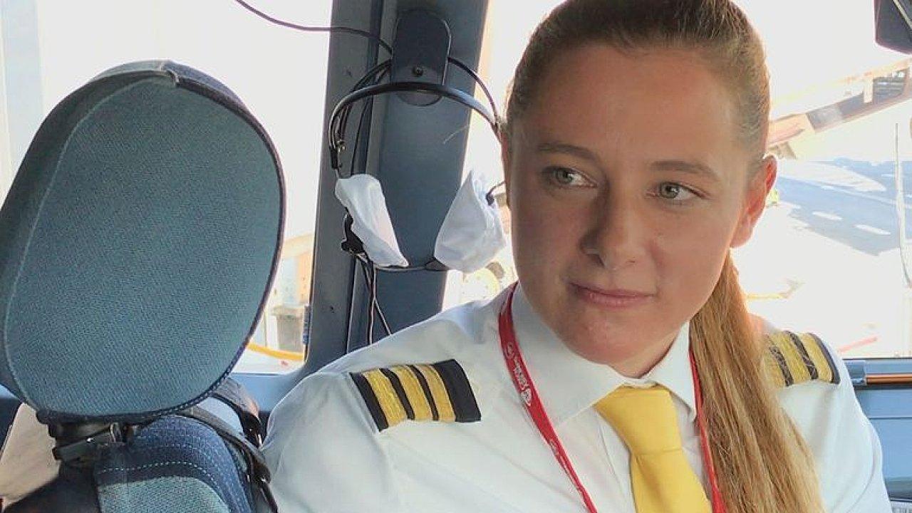 Nejmladší pilotka Airbusu A330: Musíte hodně obětovat, ale není to mužské povolání.