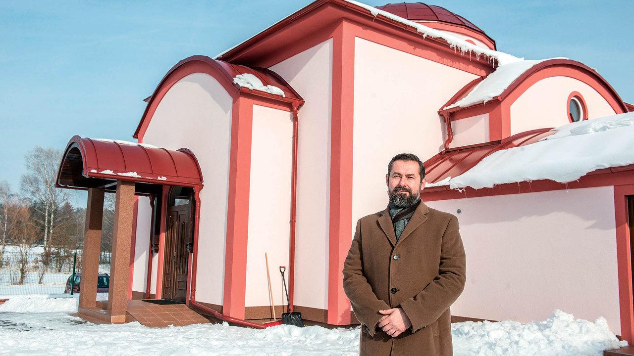 """Kněz Evžen Červinský: """"Stíní snad kupole víc než šikmá střecha?"""""""