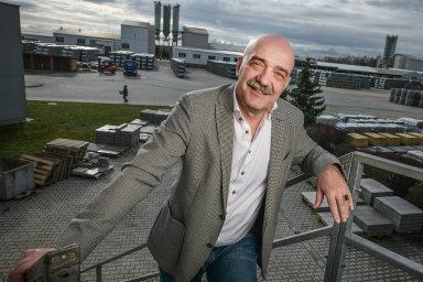"""""""Jsem laskavý cholerik, který umí udržet peníze,"""" říká osobě podnikatel Tomáš Březina."""