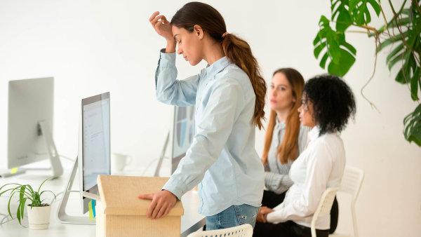 Zaměstnanci se obávají dopadu krize na jejich práci napříč všemi obory