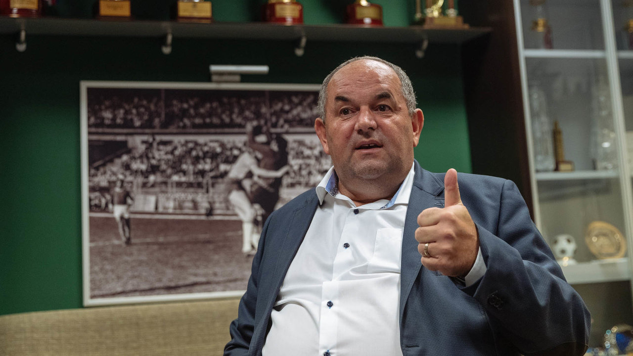 Miroslav Pelta odmítá, že by rozdělování dotací ovlivňoval.