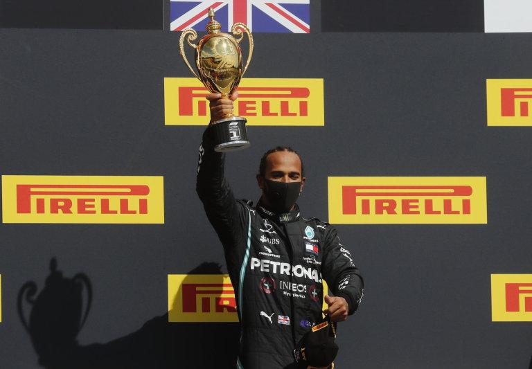 Velkou cenu Británie formule 1 vyhrál obhájce titulu Lewis Hamilton.