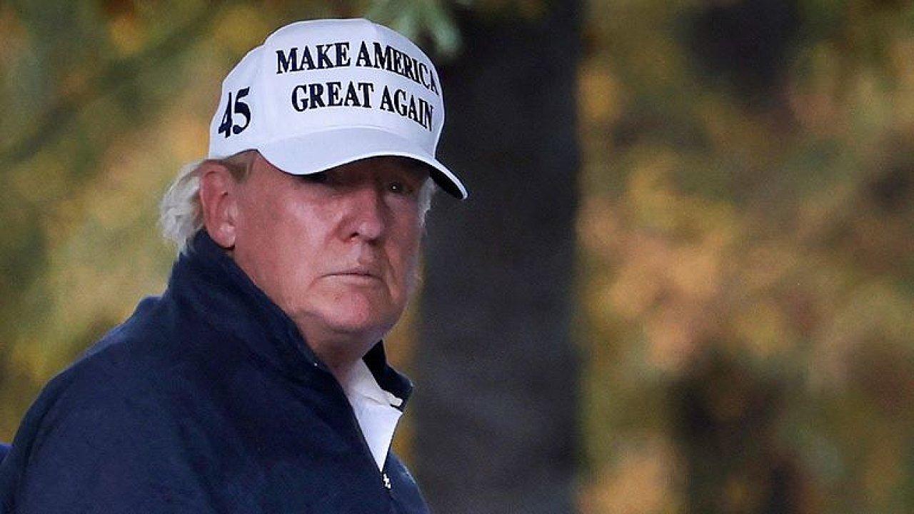 Trumpovy žaloby na volby jsou nebezpečná hra, Biden má ale velký náskok, říká Antoš.