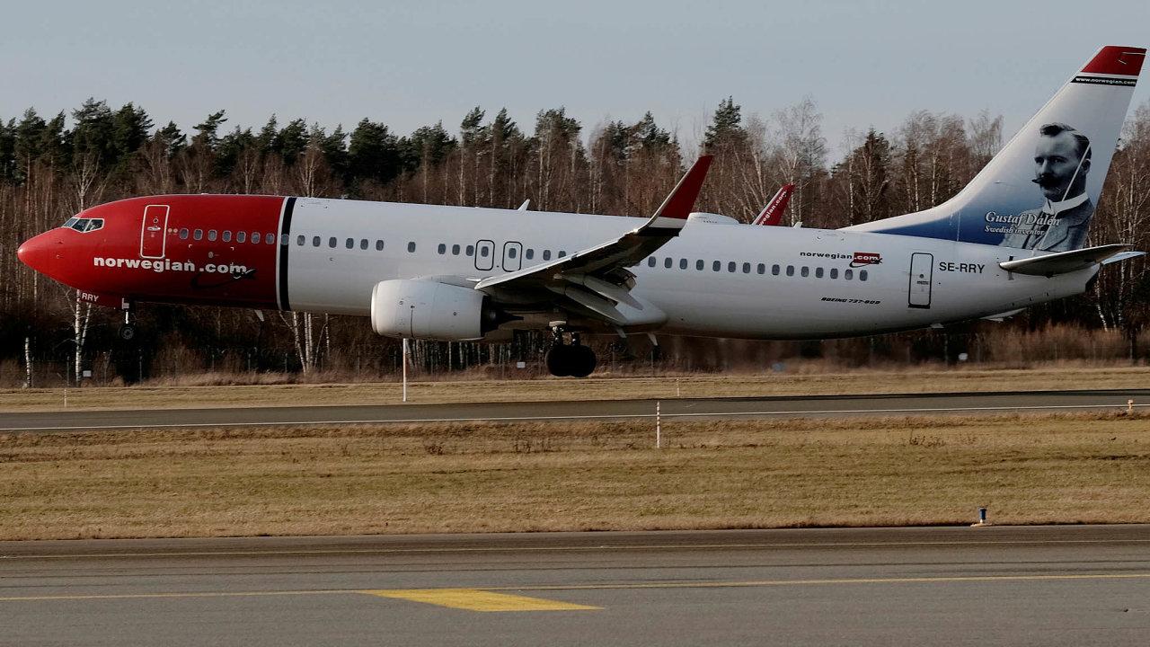 Akcionáři norské nízkonákladové letecké společnosti Norwegian Air Shuttle budou projednávat opatření, která mají firmě pomoci vyhnout se bankrotu.