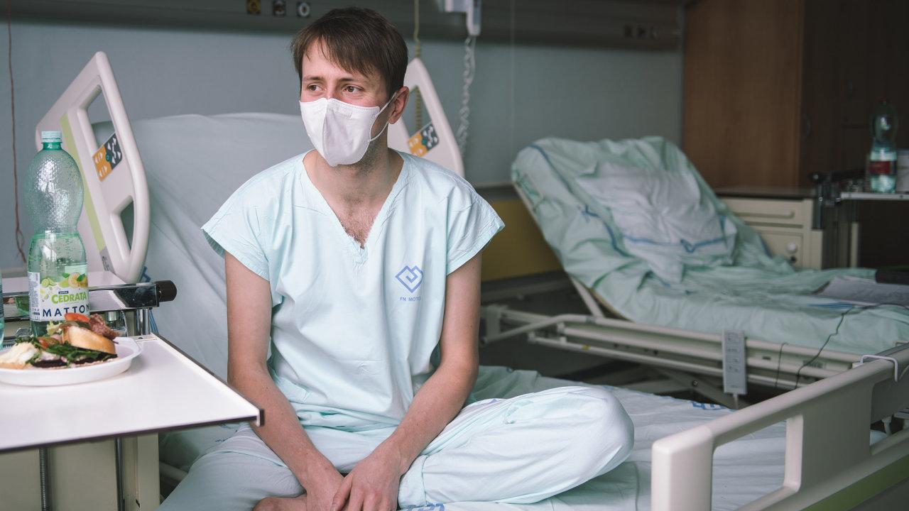 Ondřej Hubálek, medik pomáhající na covidové jednotce v Motole.