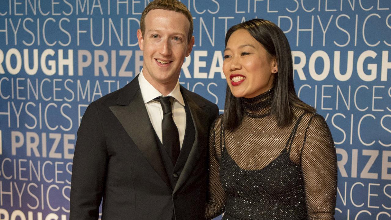 Mark Zuckerberg ajeho žena Priscilla Chanová už vlastnili přes 280 hektarů půdy naostrově Kauai, teď knim přidali dalších 240 hektarů.