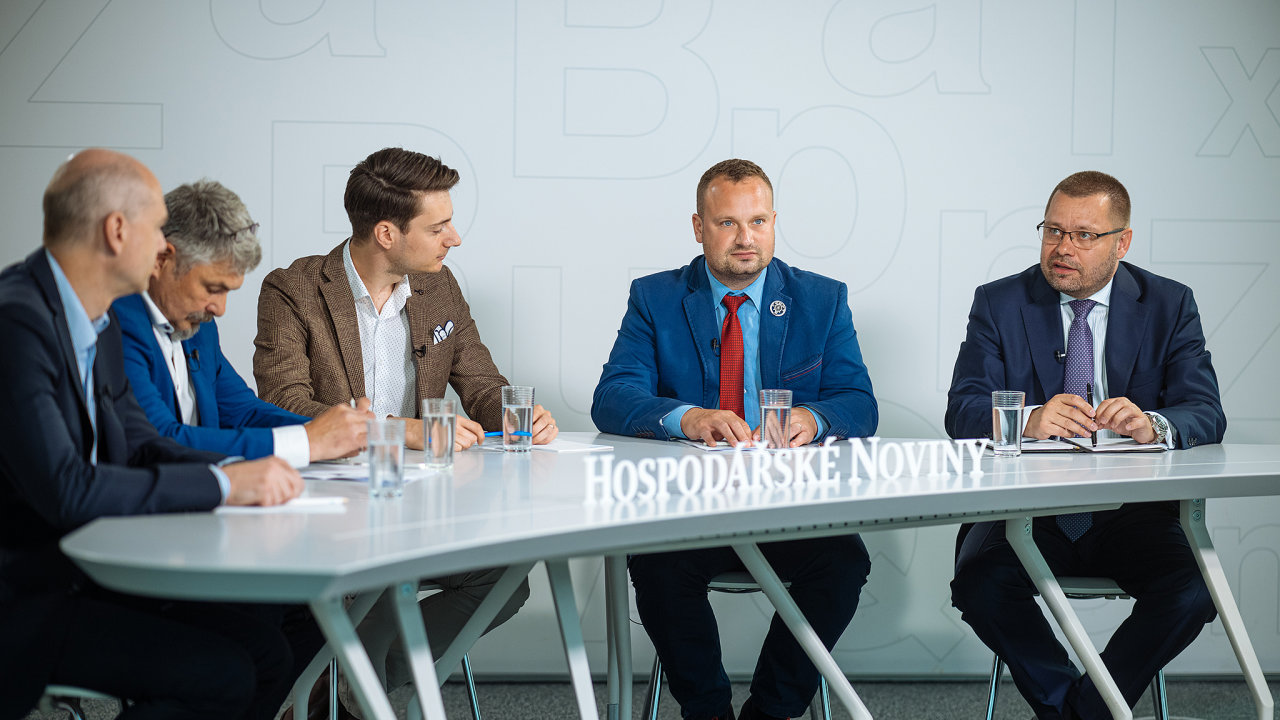 Debata Hospodářských novin o trendech vbezpečnosti firem akritické infrastruktuře.