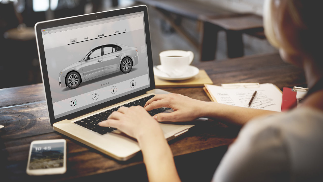 On-line prodej aut – Ilustrační foto.