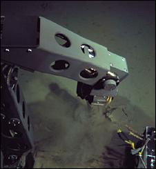 robotická ponorka Nereus pod vodou