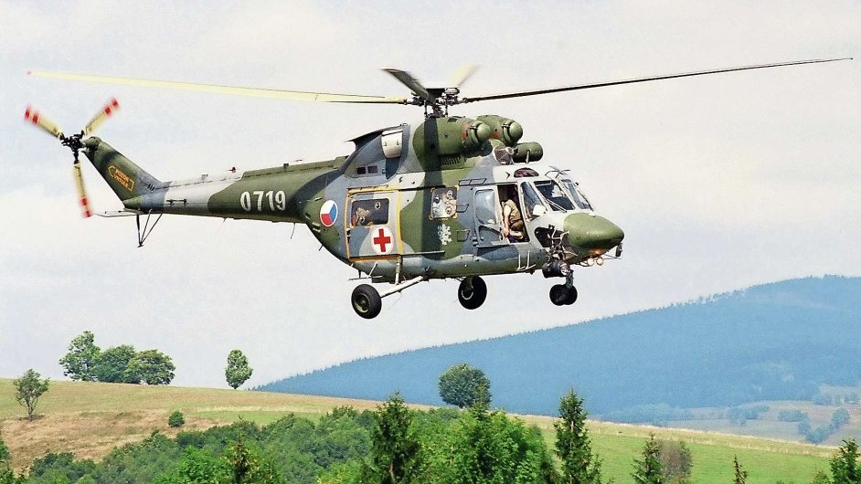 Záchranářský vrtulník W-3A Sokol.