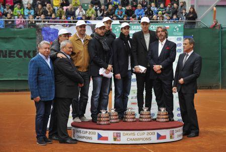 Čeští finalisté tenisového Davisova poháru přijeli 18. listopadu do Prostějova na oslavy vítězství