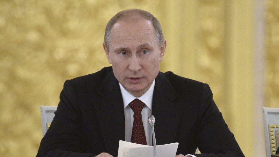 Vladimir Putin označil vznik EAHU za
