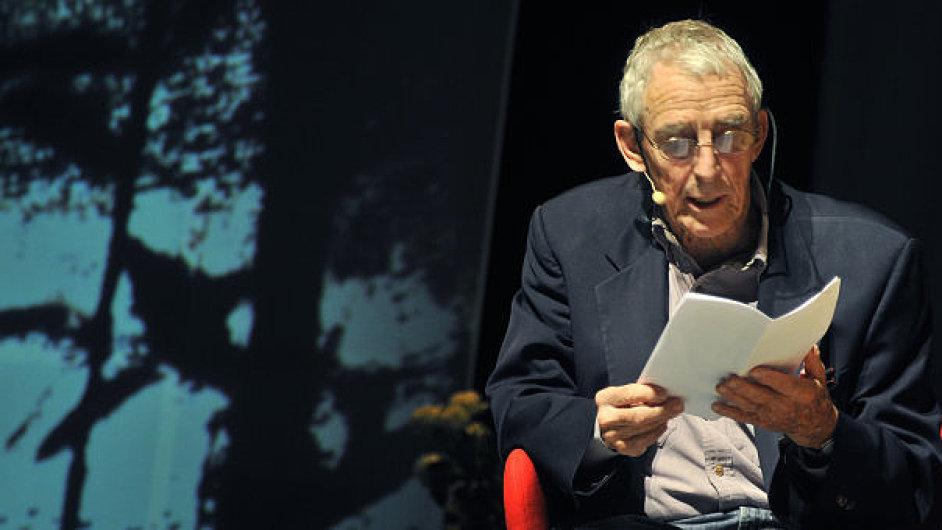 Peter Matthiessen navštívil Prahu v letech 1948 a 2010.