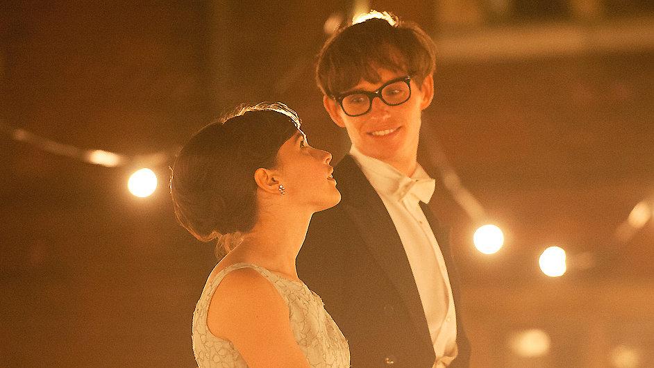 Film o fyzikovi Stephenu Hawkingovi přijde do kin 7. listopadu.