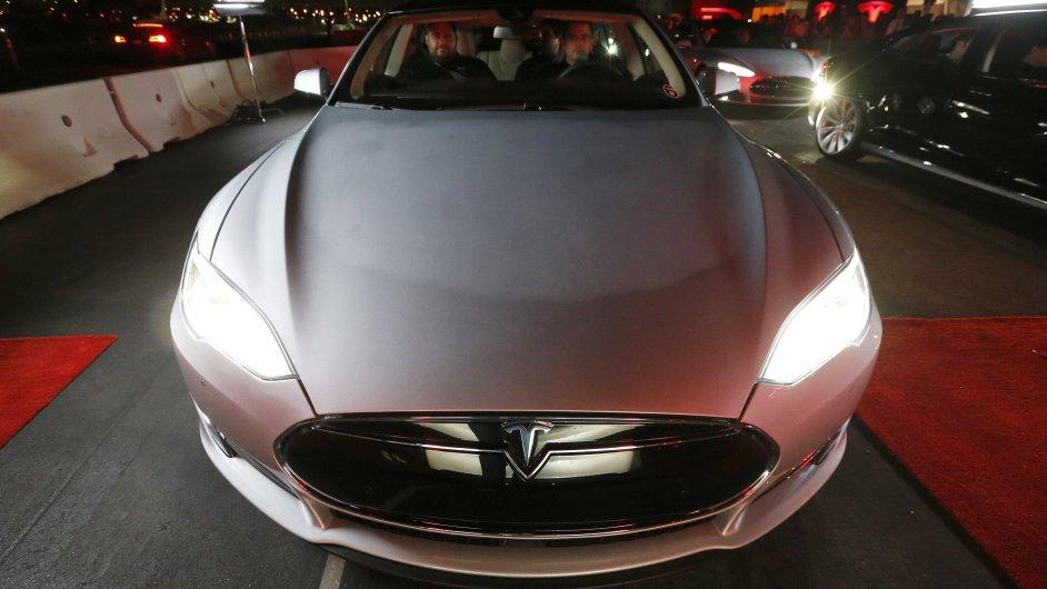 Nový model Tesla D