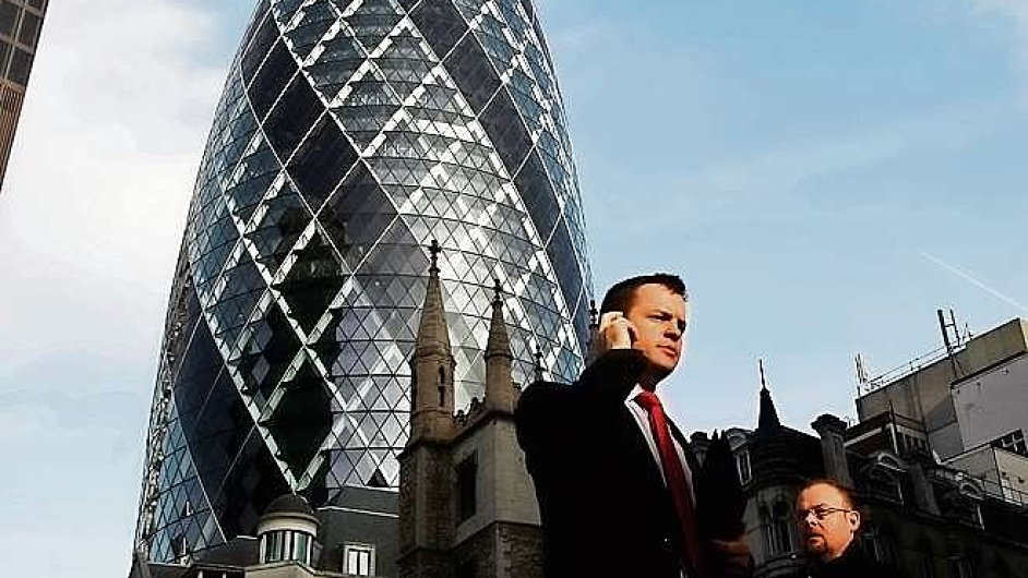 Londnýnský mrakodrap zvaný Okurka.