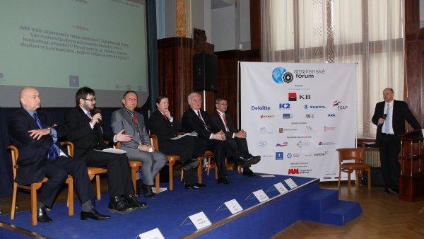 Moderovaný diskusní blok technické školství na druhém ročníku Strojírenského fóra v Obecním domě v Praze.