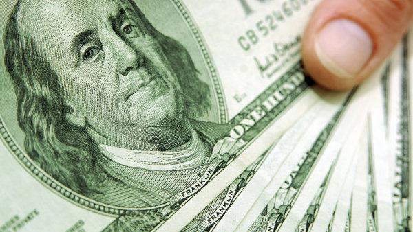 Dolar do konce roku je�t� pos�l� - ilustra�n� foto.