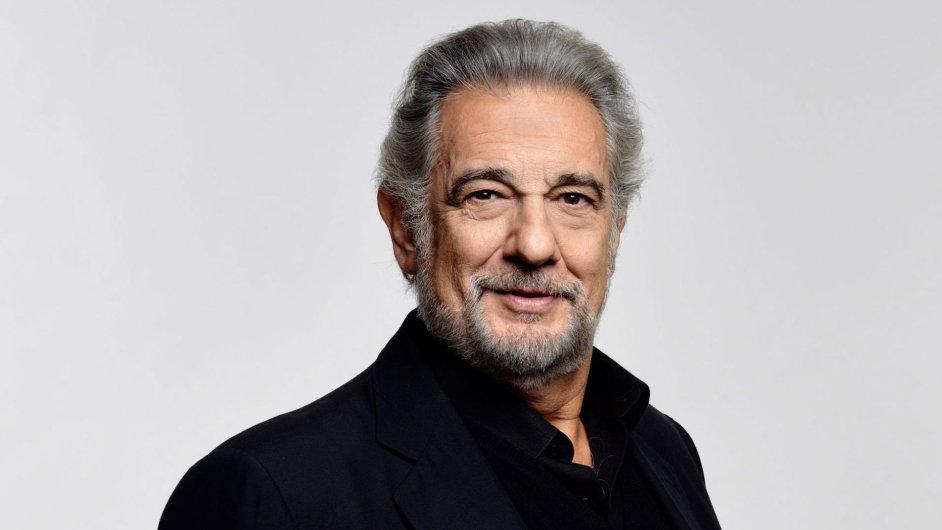 Plácido Domingo řídí operu v Los Angeles a stále zpívá.