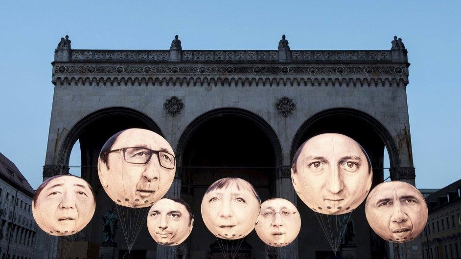 Balóny s tvářemi lídrů zemí G7, kteří se zúčastní summitu.
