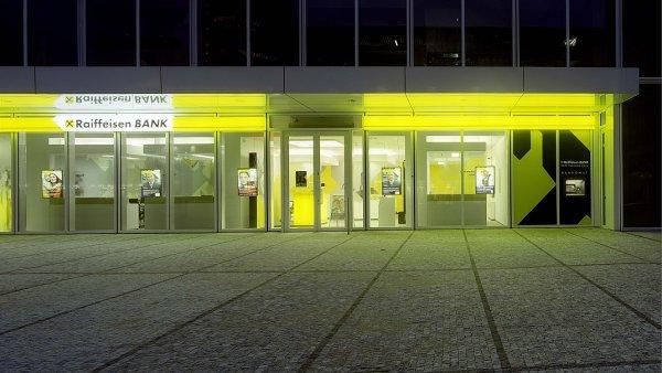 Raiffeisenbank loni stoupl čistý zisk o 2,6 procenta na 2,6 miliardy korun