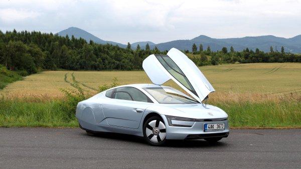 Volkswagen XL1 ukazuje �istou budoucnost: Litr paliva na 100 km