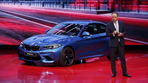 BMW M2 Coupe na autosalonu v Detroitu