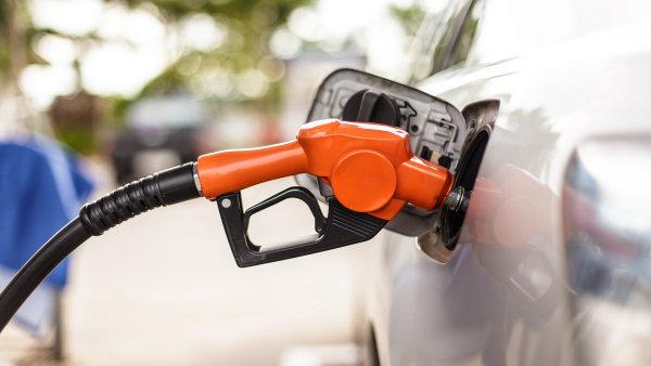 �OI: Kvalita benzinu a nafty byla loni nejlep�� za 14 let - Ilustra�n� foto.