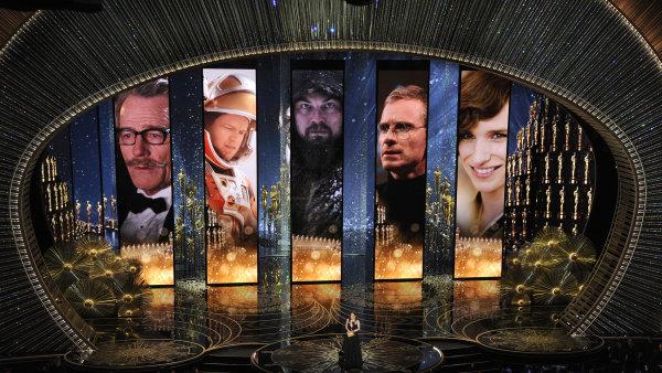 Julie Mooreov� p�ed�vala ocen�n� pro nejlep��ho herce v hlavn� roli ve slavn�m Dolby Theatre v Los Angeles.