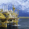 Cena ropy znovu kles�. Oslabuj� ji pl�ny �r�nu na dal�� zvy�ov�n� t�by