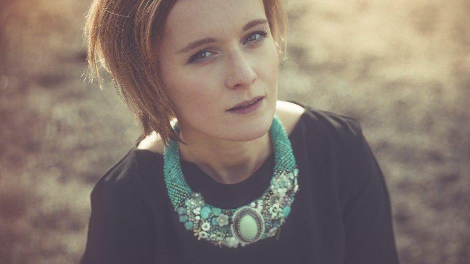 Tereza Brabcová se tvorbě designových šperků věnuje již šestým rokem.