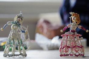 Výroba ozdob z perlí usiluje o zápis do UNESCO. Firma z krkonošské vsi udržuje tradici jako jediná na světě