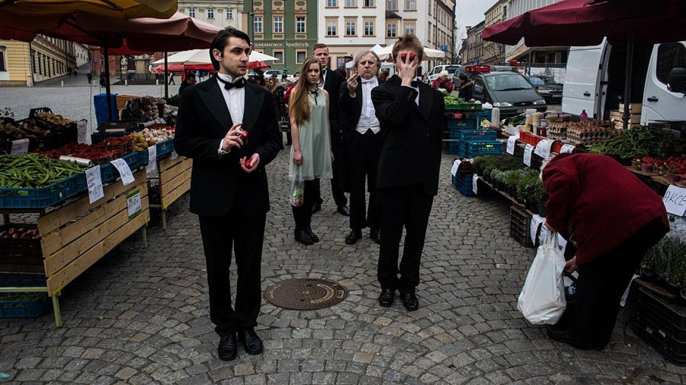 Sílu zvyku uvede HaDivadlo také na Divadelní Floře Olomouc.