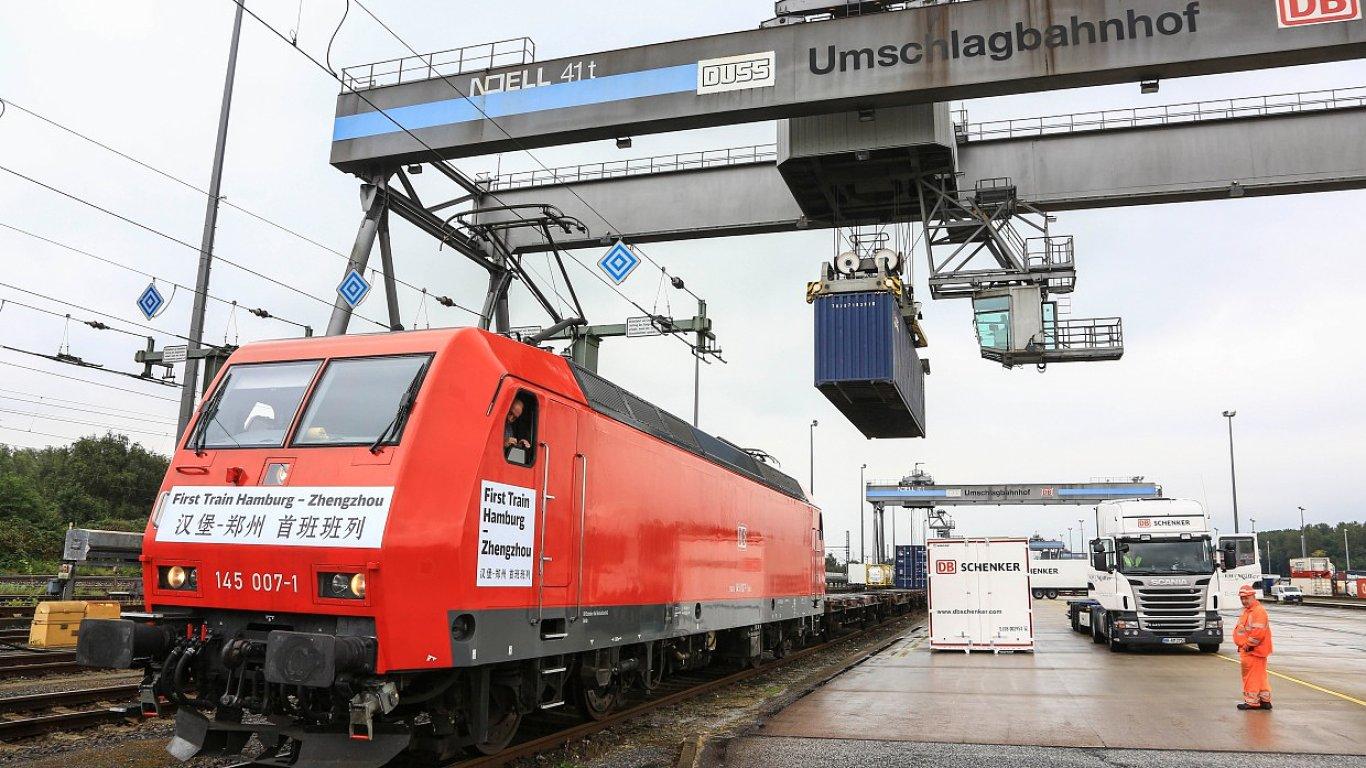 Společnost DB Schenker vypravila na začátku září první nákladní vlak z Hamburku do Čeng-cou v provincii Henan