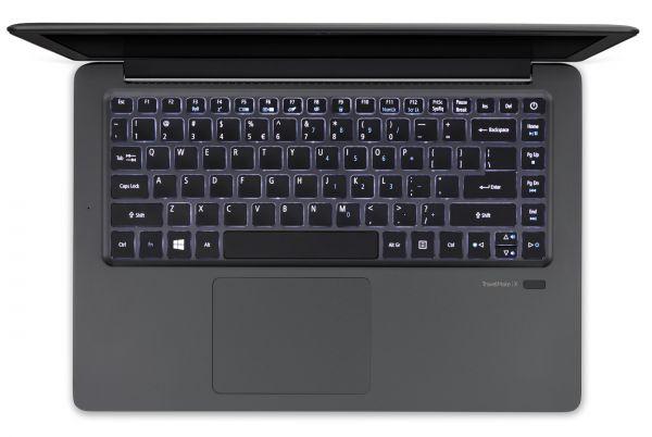 Acer Travelmate X349-M2 je stylový pracovní notebook s hliníkovým tělem