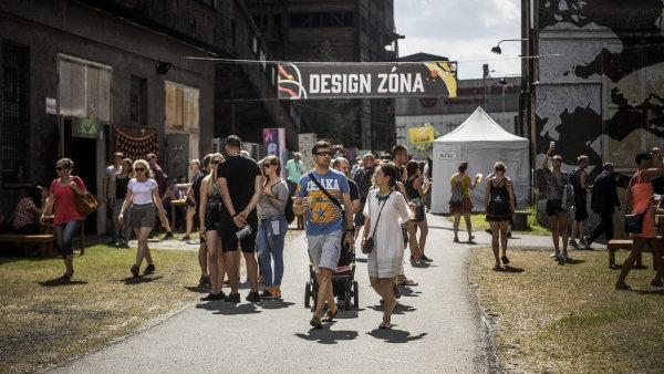 Snímek z letošního festivalu Colours of Ostrava, který vyvrcholí v sobotu večer.