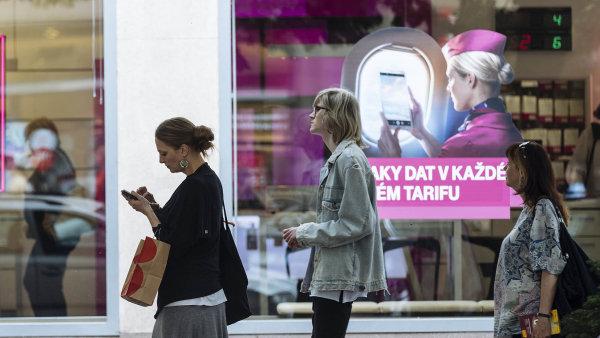 Cena za mobilní internet se stala na začátku roku politickým tématem - Ilustrační foto.