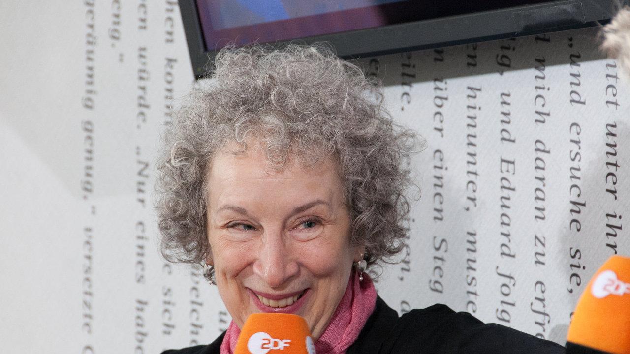 Margaret Atwoodová je na snímku z Frankfurtského knižního veletrhu roku 2009. Letos zde převezme Mírovou cenu německých knihkupců.