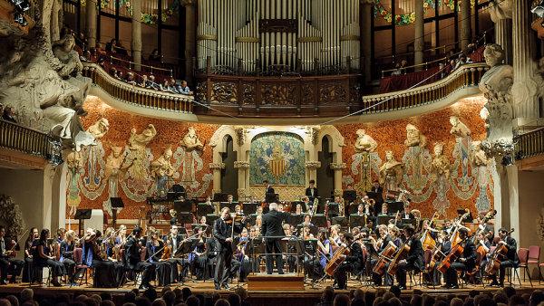 Snímek pochází z vystoupení Orchestru mladých Evropské unie v Itálii s dirigentem Vladimirem Ashkenazym a houslistou Danielem Hopem.